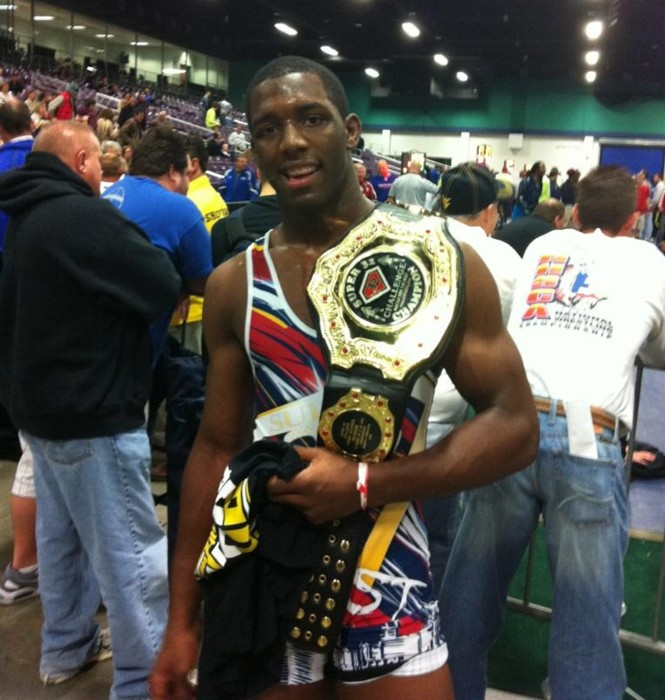 Tim Dudley 2011 Super 32 winner at 182 lbs.jpg